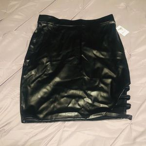 Charlotte Russe Faux Leather Cut-Out Split Skirt L